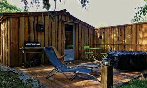 Vivre dehors : les Cabanes d'Orvé